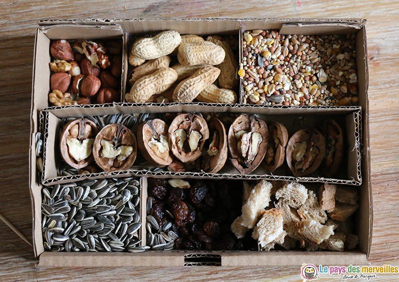 Fruits secs et graines pour les oiseaux