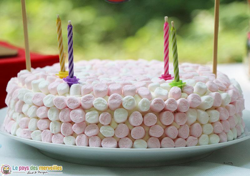 gâteau d'anniversaire marshmallow