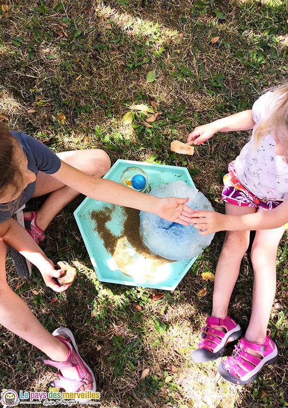activité sensorielle dans le jardin en été