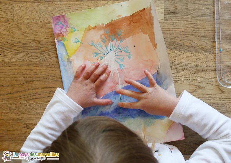 Tableau pissenlit avec du drawing gum et de la peinture