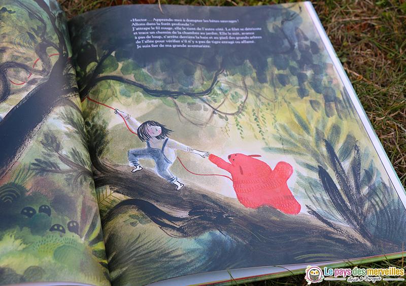 Figure rassurante du doudou dans un livre enfant