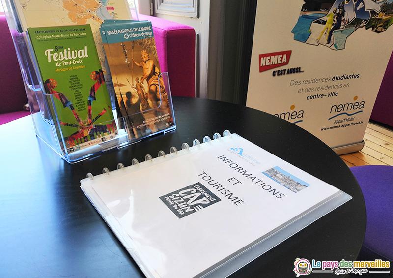 Classeur informations et tourisme à Audierne