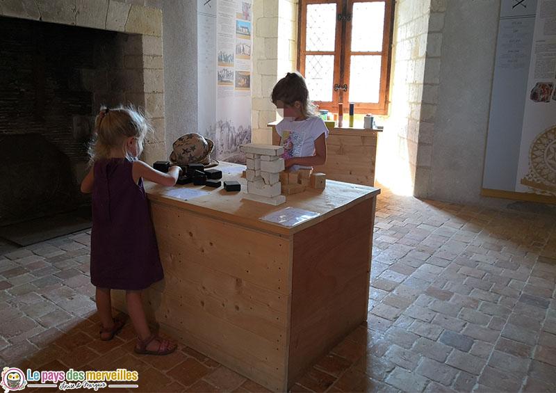 Jeux de construction dans le château d'Harcourt