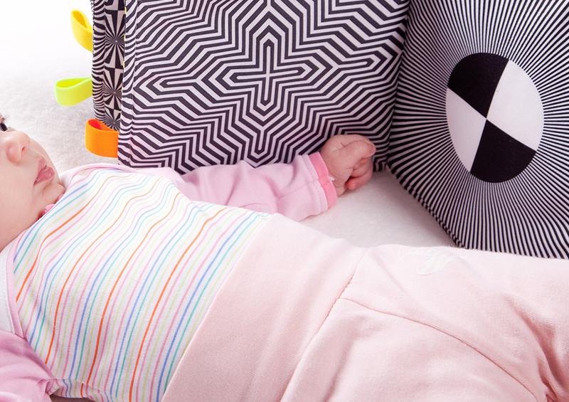 livre contrasté en tissu pour bébé
