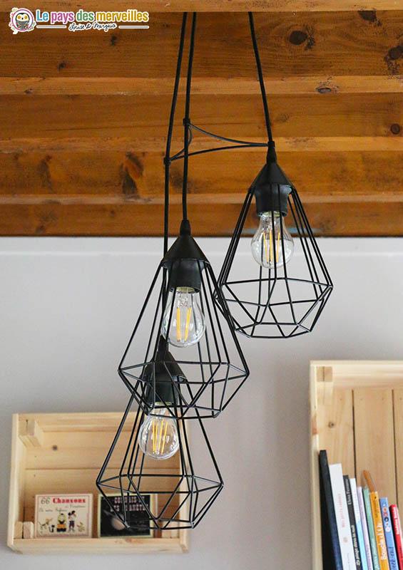 triple suspension lumière en métal noir
