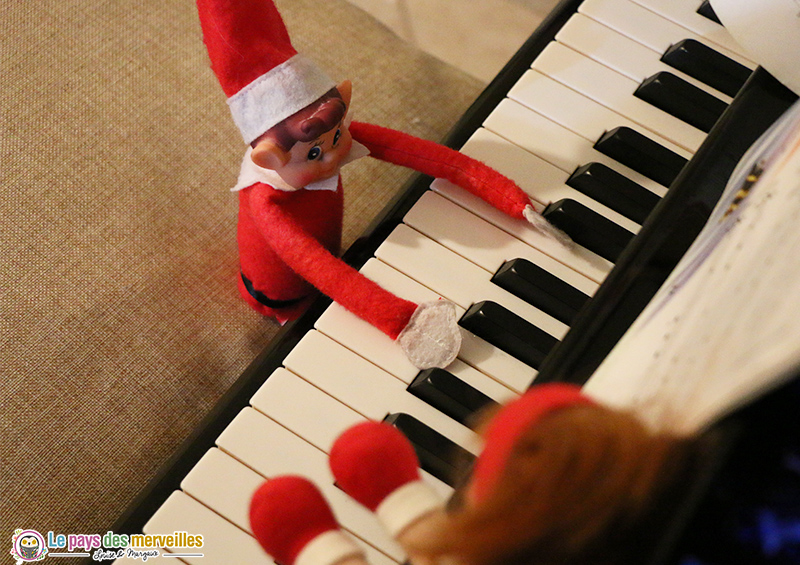 lutin farceur au piano