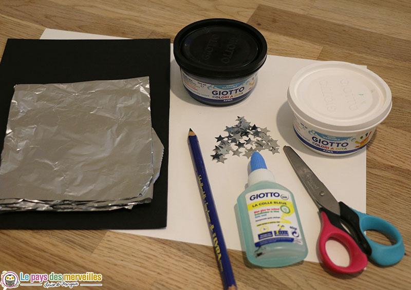Matériel pour peindre une lune avec du papier aluminium