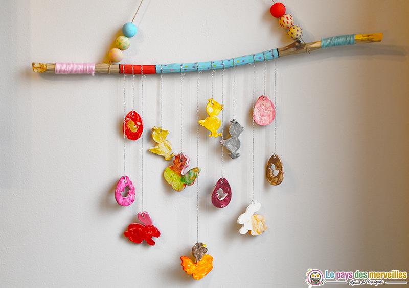Mobile décoratif sur le thème de Pâques
