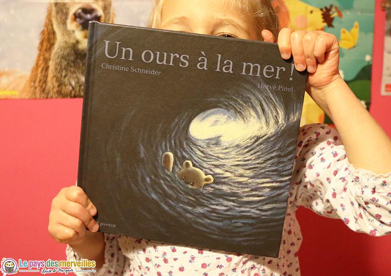 Un ours à la mer aux éditions Seuil jeunesse