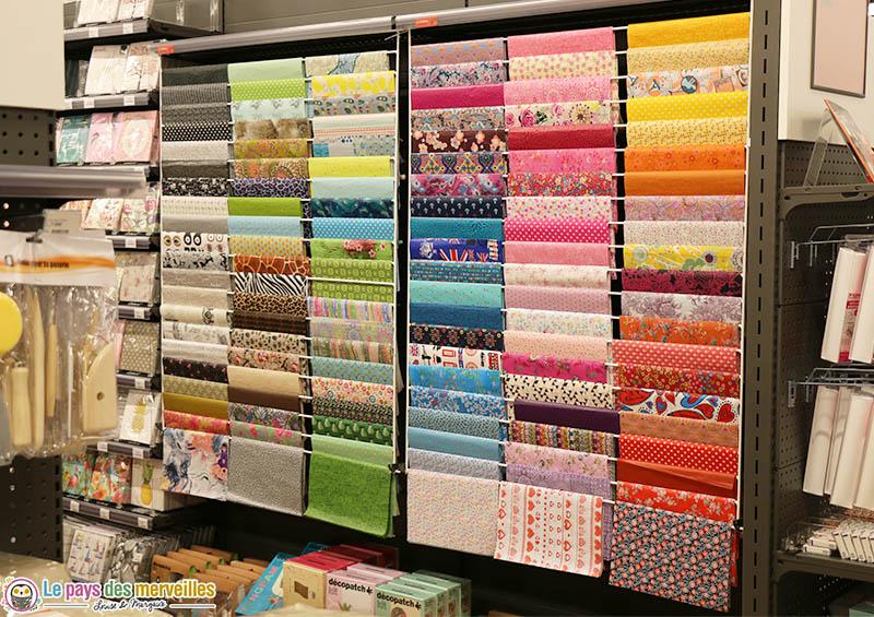 papiers colorés à motifs