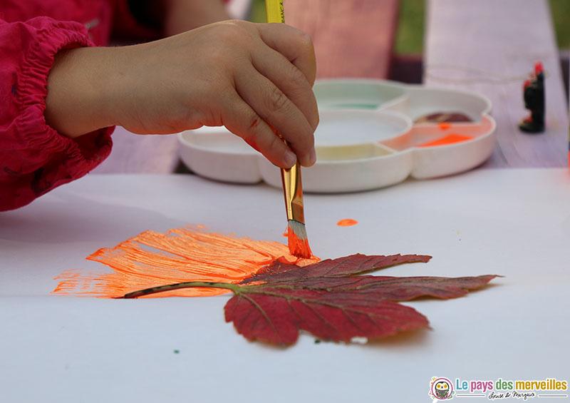 Peindre une feuille d'automne