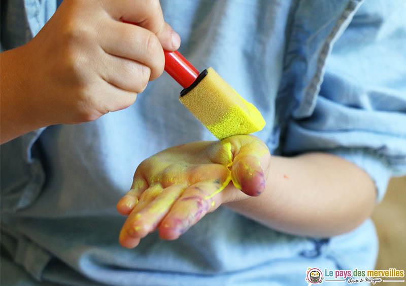 peindre sur ses mains