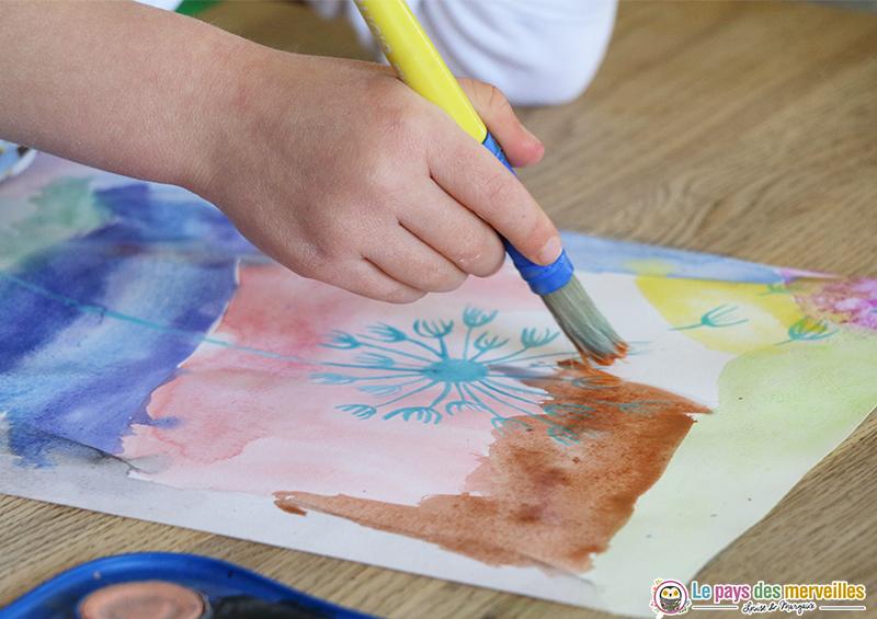 Peinture à l'eau sur du drawing gum