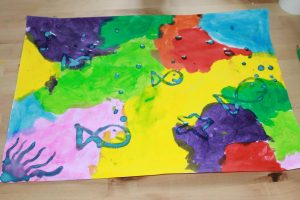 Poisson peint avec du drawing gum