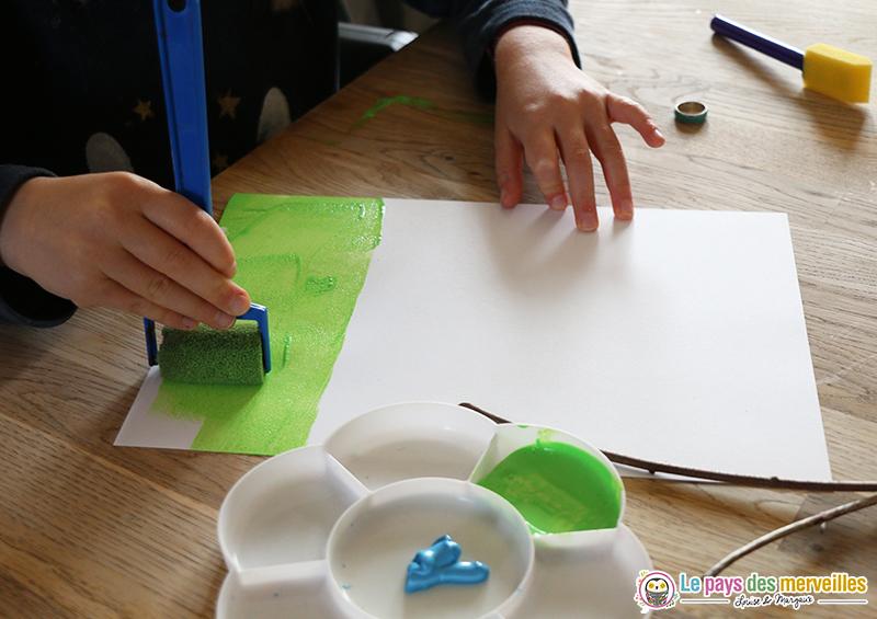 peinture enfant au rouleau