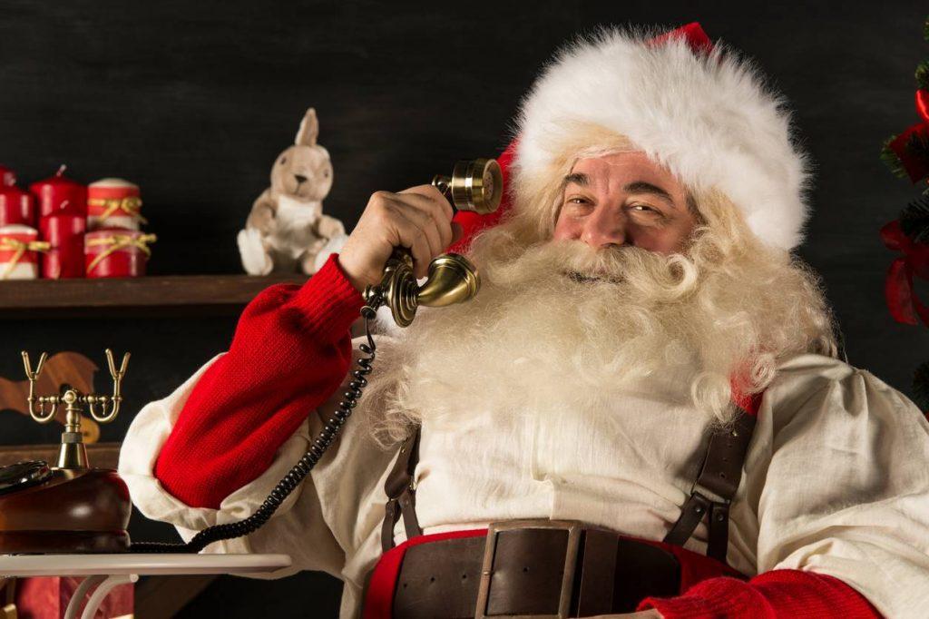 Photo Père-Noël au téléphone