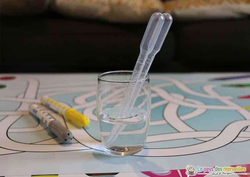 Petite pipette en plastique