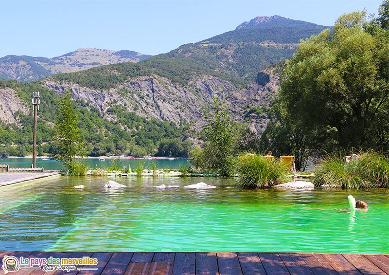 Piscine naturelle au camping du lac à Saint-Vincent-les-Forts