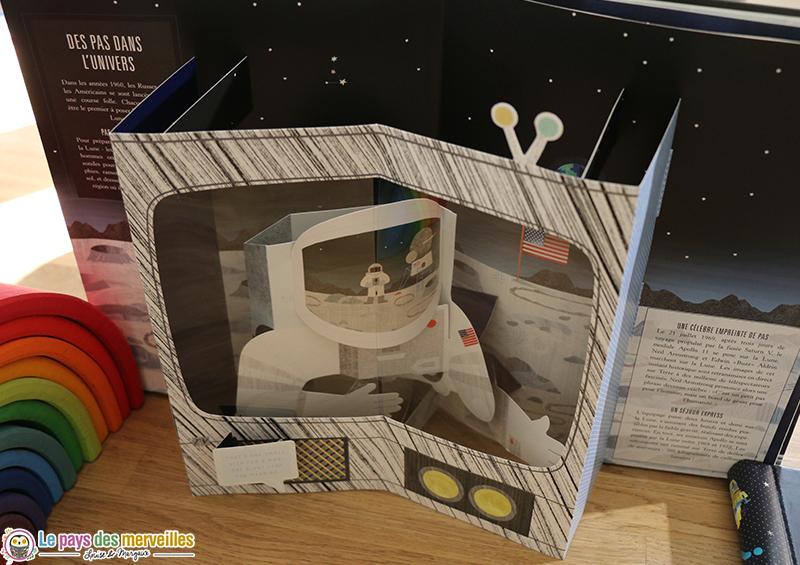 Livre animé sur la Lune
