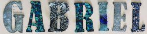 Décorer les lettres de son prénom avec différentes textures