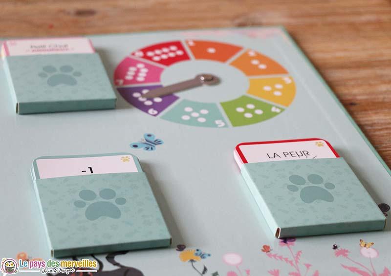 rangement des cartes du jeu des émotions de Petit Chat