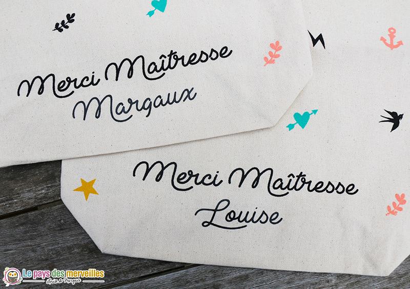 Personnalisation sur tote bag avec le prénom de l'enfant