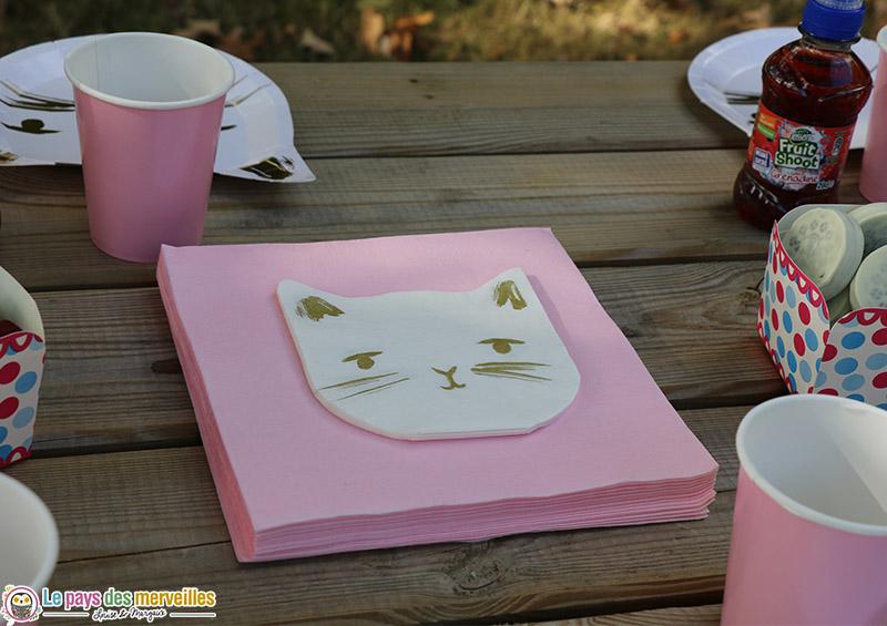 Serviettes en papier en forme de chat