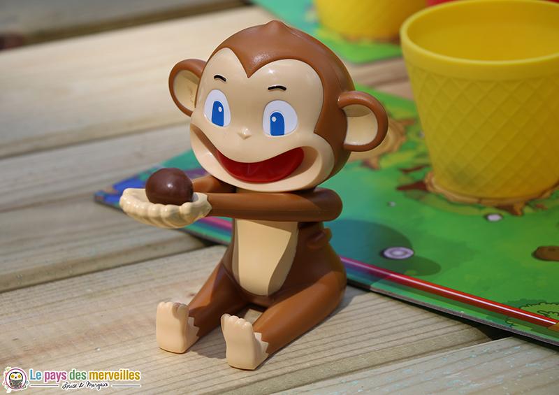singe avec bras articulés