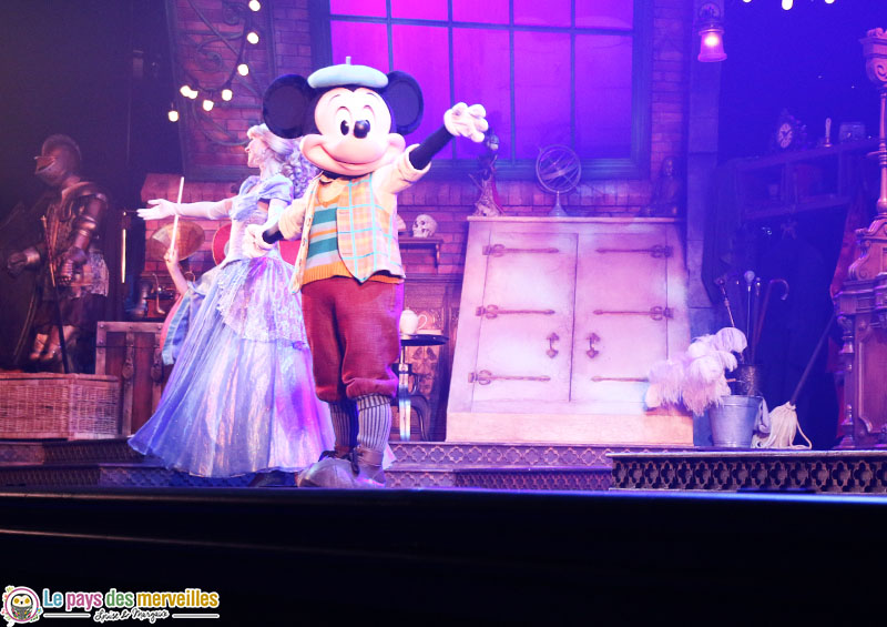 spectacle Mickey magicien