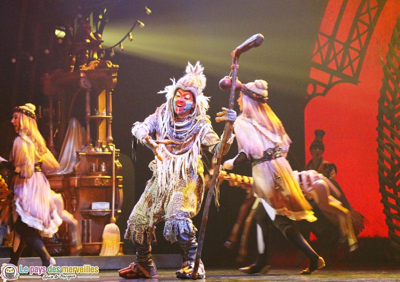 le roi lion dans le spectacle Mickey magicien