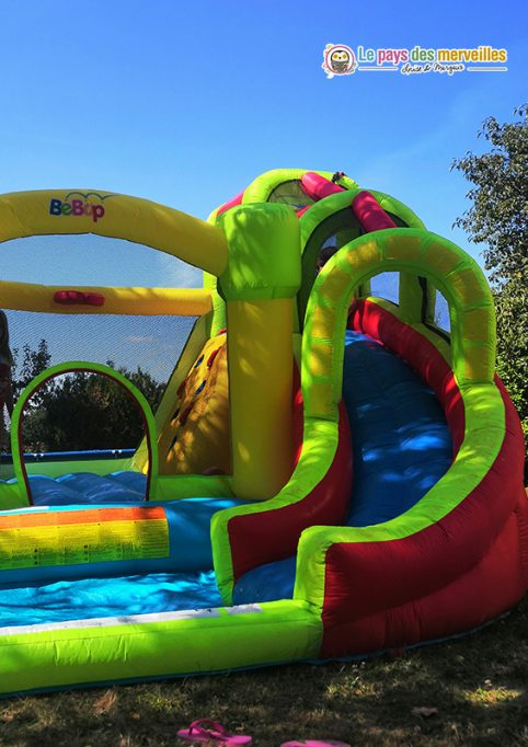 structure gonflable toboggan et trampoline