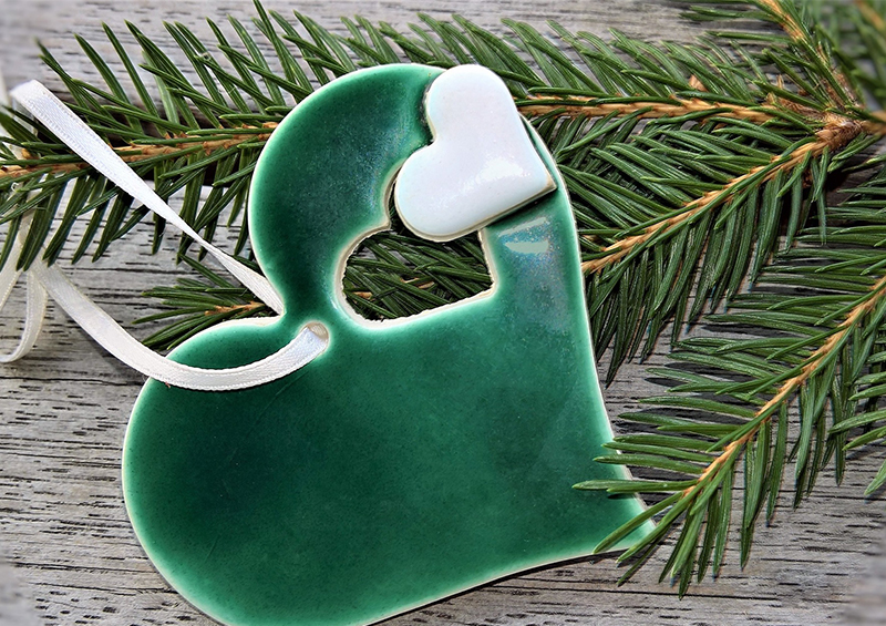 coeur en ceramique vert pour le sapin