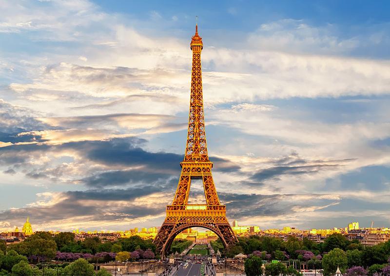 Tour Eiffel ensoleillée