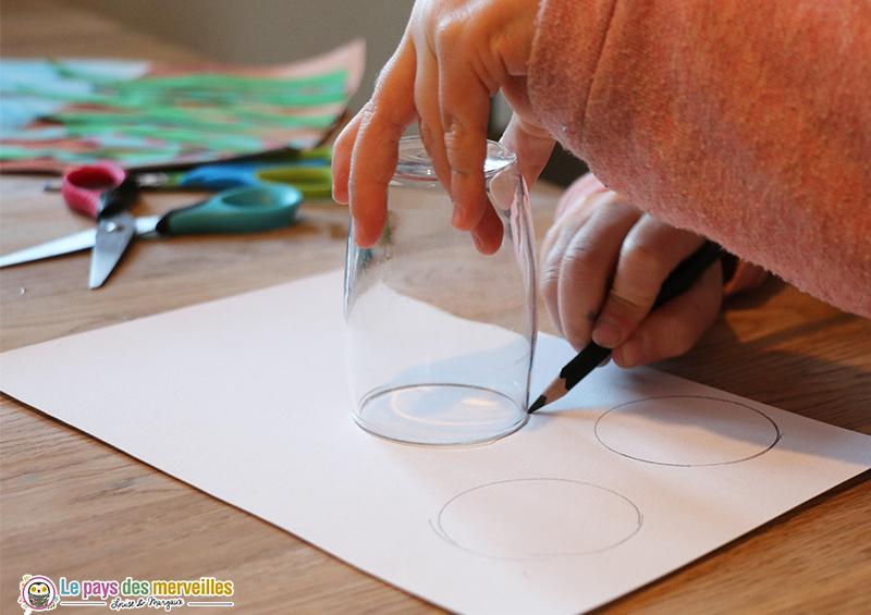 Dessiner un cercle avec le contour d'un verre