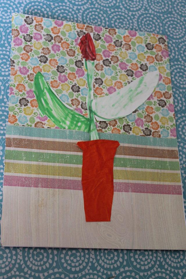 Dessin tulipe et collage pour créer un vase