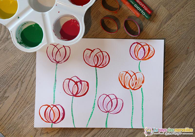 Activité tulipes rouleau de papier toilette empreinte